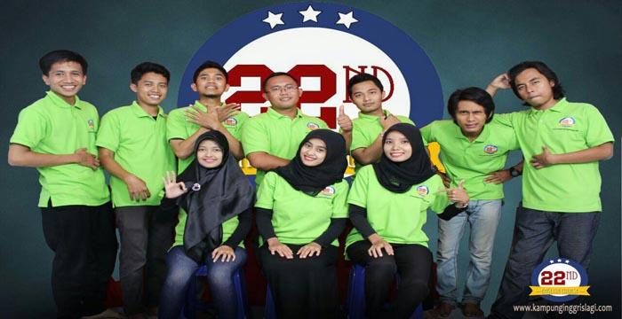 Para tutor twenty second kampung inggris
